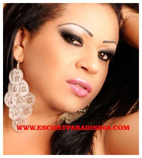 Monica Fernandes tx04